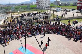 Kozluk'ta sirk gösterisine yoğun ilgi