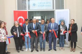Rektör Durmuş Kozluk'ta kütüphane açılışına katıldı