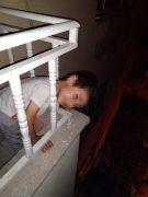 Başı korkuluklara sıkışan çocuğu itfaiye ekipleri kurtardı