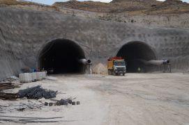 Hasankeyf'te tüp tünel çalışması sürüyor