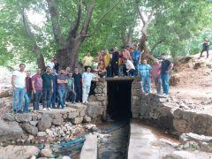 Öğretmen ve öğrenciler doğada öğrenelim etkinliği için Sason'a geldi
