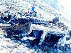 Uçuruma yuvarlanan araçtan atlayarak kurtuldu