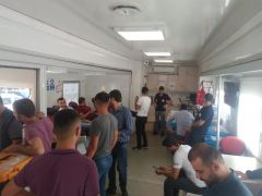 Barış Pınarı Harekatına destek vermek isteyen vatandaşlar kan bağışında bulundu