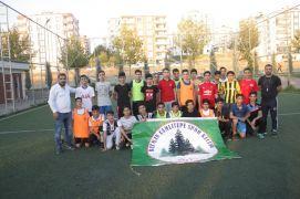 Çocukları kötü alışkanlıklardan uzak tutmak için spor kulübü kurdu