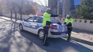 Gercüş'te trafik polisi, eşine ceza kesti