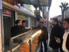 AK Parti İl Başkanı Gür esnafın sorunlarını dinledi