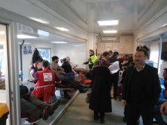 İlçelerinde görev papan polisin eşine uygun donör için kan bağışında yarıştılar