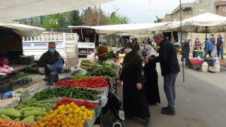 Korona virüsten dolayı 15 gün kurulmayan pazar yeniden açıldı