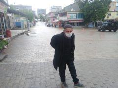 Yaşlılar güvenle dolaşsın diye cadde ve sokakları boş bıraktılar