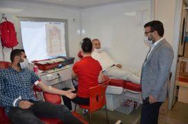 AK Parti Batman teşkilatından 'İyilik kanımızda var' kampanyasına destek