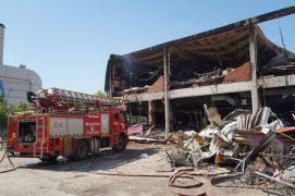 AVM'deki yangın söndürüldü