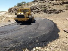 Sason'da bozuk köy yolları onarılıyor