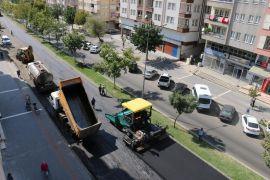 Batman'da Mahatma Gandi Bulvarına bin 300 ton asfalt serimi
