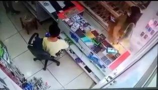Batman'da kaşla göz arasında cep telefonu hırsızlığı