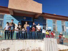 Jandarmadan köy okullarına tablet desteği