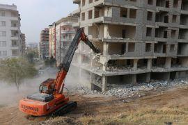 Batman Belediyesi, kaçak yapıların yıkımına devam ediyor