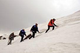 DEDAŞ ekiplerinin 3 bin metrede 7 metrelik karda arıza mesaisi