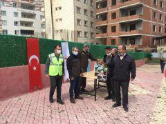 Sason'da vatandaşlara bin 500 adet fidan dağıtıldı