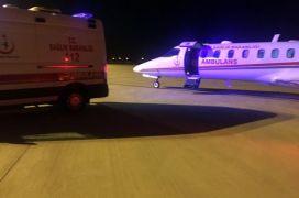Batman'da tedavileri sürdürülemeyen iki hasta, uçak ambulansla Ankara'ya sevk edildi
