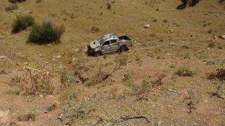 Gercüş'te kamyonet uçurumdan yuvarlandı: 1 yaralı